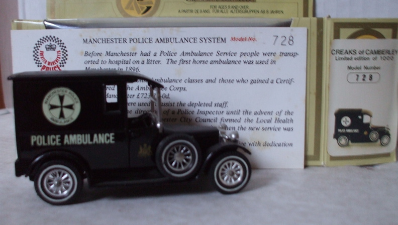AC 44 Manchester Police Ambulance No 728.jpg