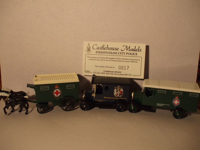 CHS 1 Birmingham City Police set unboxed.JPG