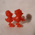 RW 33 pair of red birds in hats