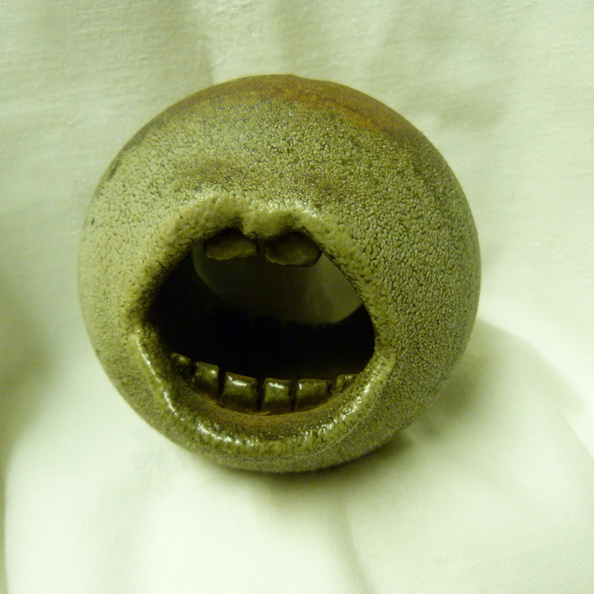 Art pottery mouth front.JPG