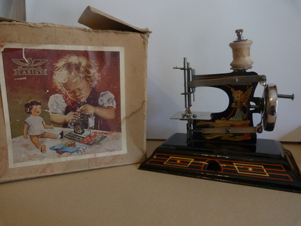 Casige Childs toy sewing machine