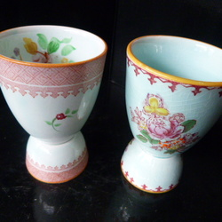 Double egg cups